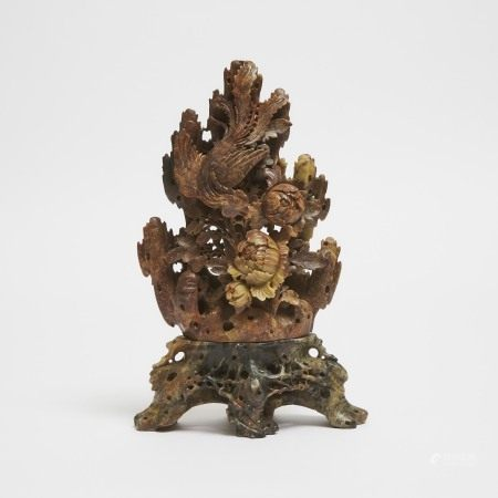 二十世纪早期 寿山石雕凤穿牡丹山子 A Chinese Soapstone 'Phoenix and Peonies' Carving, Early 20th Century