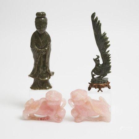 二十世纪中期 粉晶雕福狮一对 墨玉雕仕女 鸟纹摆件一组四件 Two Spinach Jade Carvings, Together With a Pair of Rose Quartz Foo Dogs, Mid 20th Century