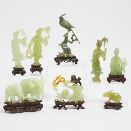 硬石雕一组八件 A Group of Eight Chinese Hardstone Carvings