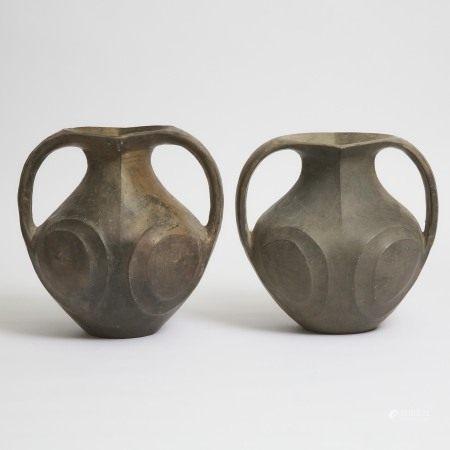 汉 黑陶双耳罐一对 A Pair of Large Black Pottery Amphorae, Han Dynasty (206 BC-220 AD)