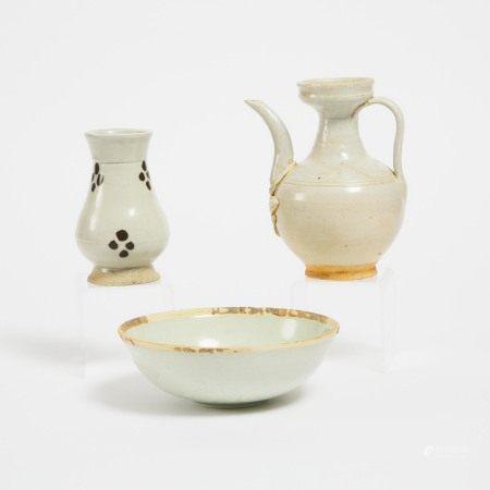 宋或更晚 影青釉瓷器一组三件 A Group of Three Qingbai-Glazed Ceramics, Song Dynasty or Later