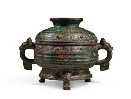 An archaic bronze ritual food vessel and cover (Gui), Western Zhou dynasty | 西周 朿簋