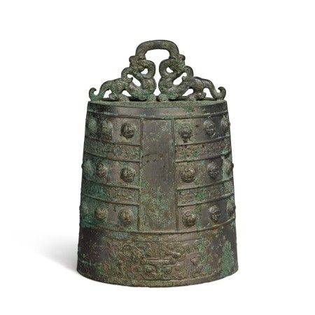 An archaic bronze bell (Bo), Eastern Zhou Dynasty, Spring and Autumn period | 東周 春秋 青銅蟠螭紋鎛