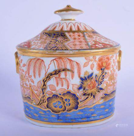 Early 19th c. Coalport sugar box and cover painted with an imari style pattern. 15cm high
