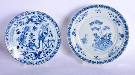 TWO EARLY 18TH CENTURY CHINESE BLUE AND WHITE PORCELAIN PLATES Yongzheng. Largest 24 cm wide. (2)