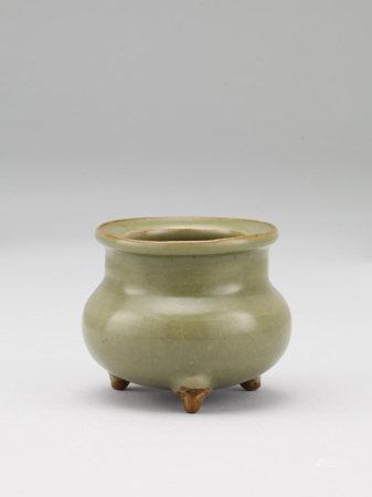 宋 鈞窯綠釉三足鬲式爐