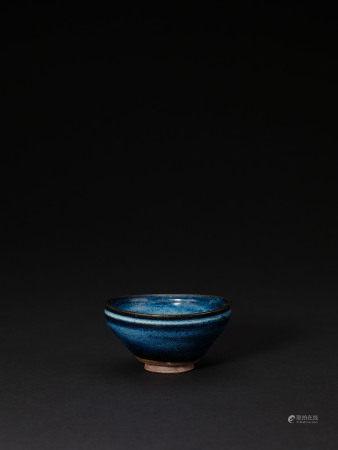 南宋 衡山窯藍窯變束口盞