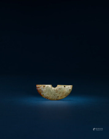 良渚文化 玉神面半圓形飾片