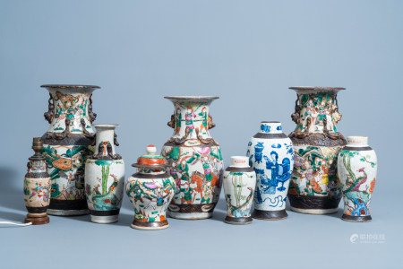 A varied collection of Chinese Nanking crackle glazed famille rose and blue and white porcelain, 19th/20th C.