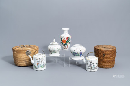 A varied collection of Chinese famille rose porcelain, 19th/20th C.