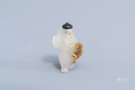 A Chinese agate fisherman snuff bottle, 19th/20th C.