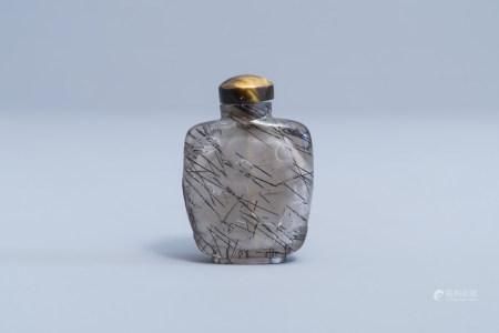 A Chinese hair crystal snuff bottle, 19th/20th C.