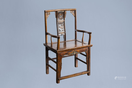 A Chinese wooden chair with carved panels with a deer and a fruit bowl, 19th/20th C.