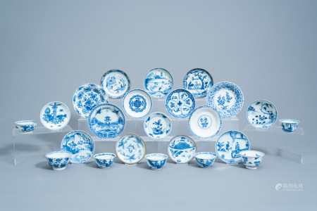 Sixteen various Chinese blue and white saucers and seven cups, Kangxi/Qianlong