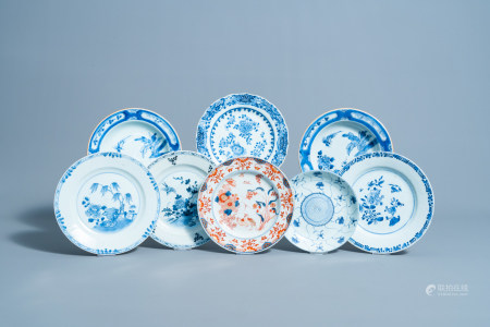 Eight various Chinese blue, white and Imari style plates, 18th/19th C.
