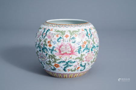 A Chinese famille rose jardiniere with floral design, Qianlong mark, 20th C.