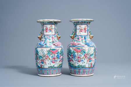 A pair of Chinese famille rose 'court and warrior scenes' vases, 19th C.