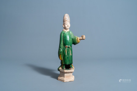 A Chinese sancai glazes figure of a dignitary, Ming or later