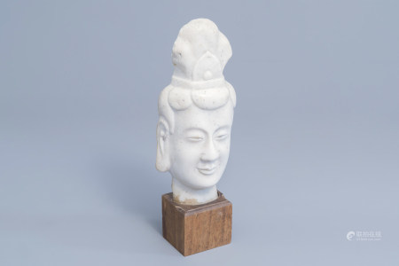 A Chinese white marble bust, 19th/20th C