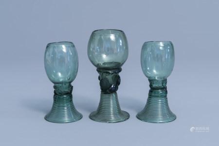 Three Dutch waldglas roemers with raspberry prunts, 18th/19th C.