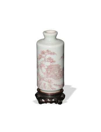 CHINESE WHITE SNUFF BOTTLE WITH RED UNDERGLAZE, 19TH CENTURY 十九世纪 釉里红山水鼻烟壶