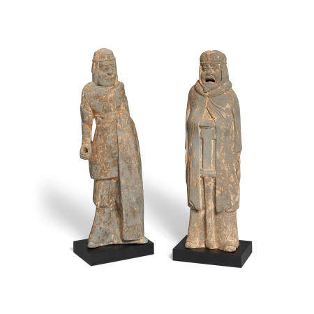 Two gray pottery figures of soldiers Six dynasties or later (2)