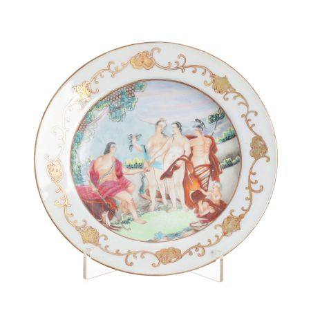 Chinese porcelain 'Judgment of Paris' plate, Qianlong
