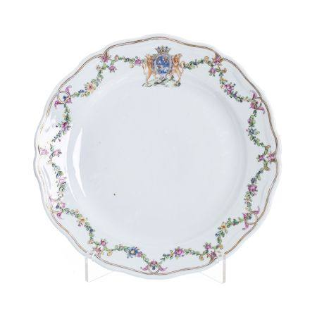 Armorial Chinese Porcelain Plate, Qianlong