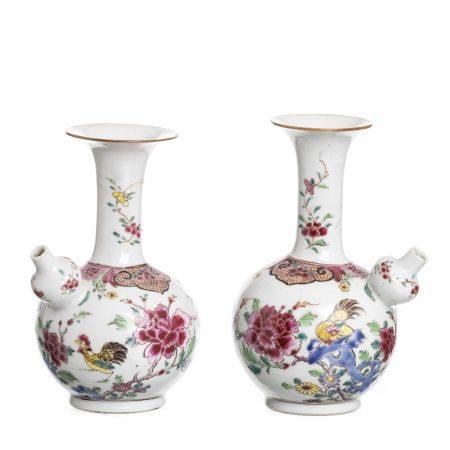 Pair of Chinese porcelain Rooster Kendi, Yongzheng