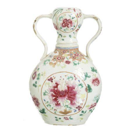 Chinese porcelain Famille Rose handled gourd vase, Daoguang