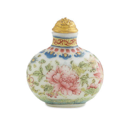 An Enameled opaque white glass Snuff Bottle  Qianlong mark and of the period (1736-95)