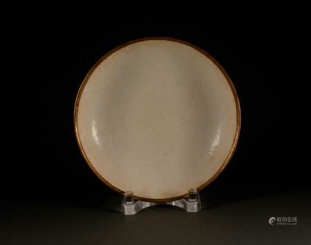 Song Dynasty - Dingyao fish algal pattern plate