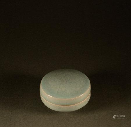 Song Dynasty - Celadon flower box