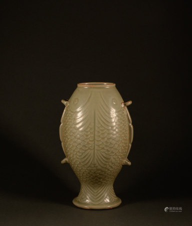 Tang Dynasty - celadon double fish vase