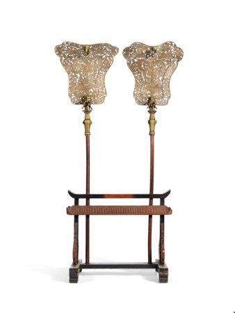 中国 清光绪十一年(1885) 御制黄铜镂雕龙纹仪仗两件 DATED BY INSCRIPTION TO 11TH YEAR OF GUANGXU PERIOD (1885)