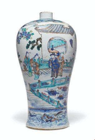 中国 清十八/十九世纪 斗彩描金西厢记人物故事图梅瓶 CHINA, 18TH/19TH CENTURY