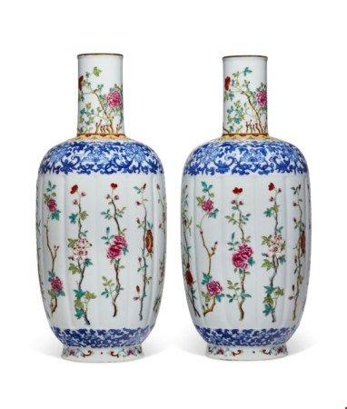 中国 晚清或以后 青花粉彩花卉纹瓜棱瓶一对 CHINA, LATE QING DYNASTY OR LATER