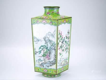 清 銅胎畫琺瑯彩四方瓶
