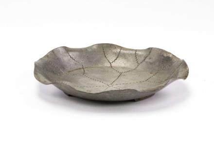 荷葉型錫制壺承(建隆年制款)