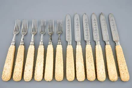 A set of 6 English silver knives and forks with Anglo-Indian ivory carved handles, 19th C.