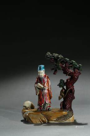 A painted shoushan carved figural group