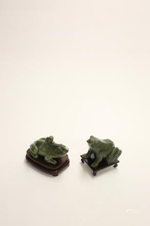 南方玉 蛙2件