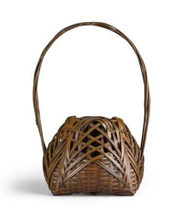A small bamboo ikebana basket By Chikushinsai, Taisho/Showa era