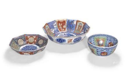 A group of three Imari porcelain bowls Taisho/Showa era