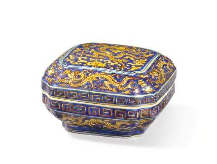 A SUPERB AND VERY RARE UNDERGLAZE-BLUE AND ENAMELLED 'DRAGON' BOX AND COVER  MARK AND PERIOD OF JIAJING