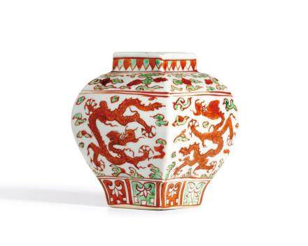A RARE IRON-RED AND GREEN ENAMELLED 'DRAGON' JAR  MARK AND PERIOD OF JIAJING