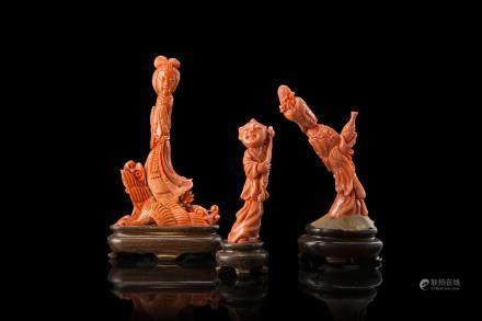 中國 二十世紀初 珊瑚仕女與兒童雕像 三件