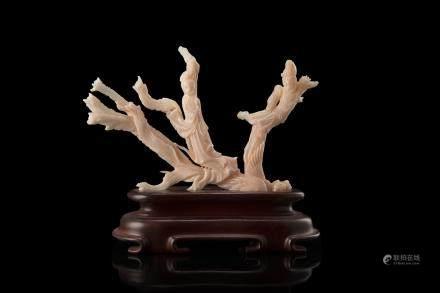 中國 十九世紀末 珊瑚仕女與鳳凰雕件