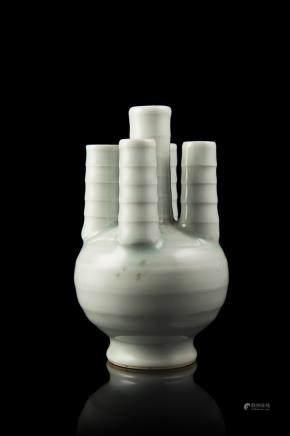 中國 十九世紀 青釉五管小瓶 底款