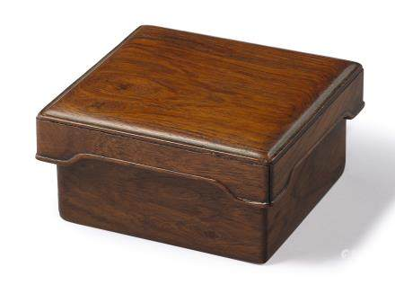 A 'HUANGHUALI' SQUARE SEAL BOX LATE MING – EARLY QING DYNASTY